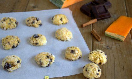 Biscotti alla zucca e cioccolato