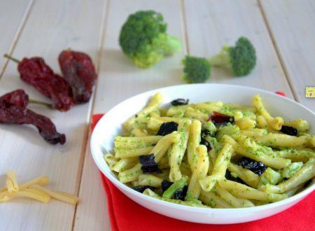 Pasta broccoli e peperoni cruschi