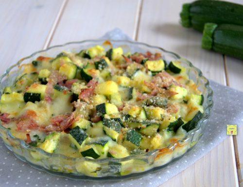 Pasticcio zucchine prosciutto e scamorza