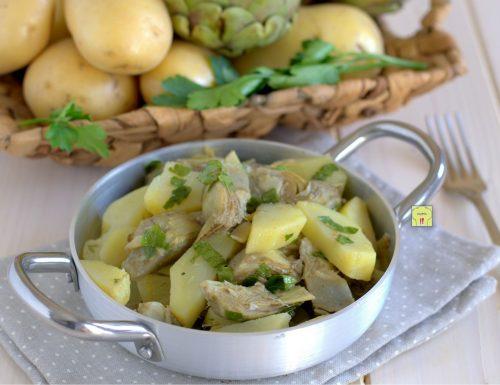 Patate e carciofi in padella