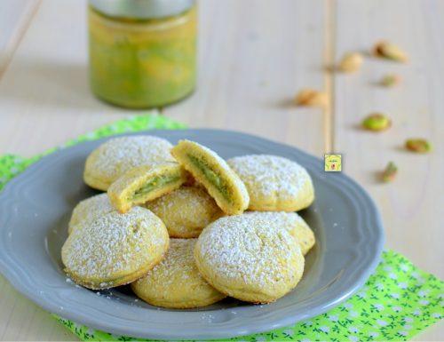 Biscotti ripieni al pistacchio
