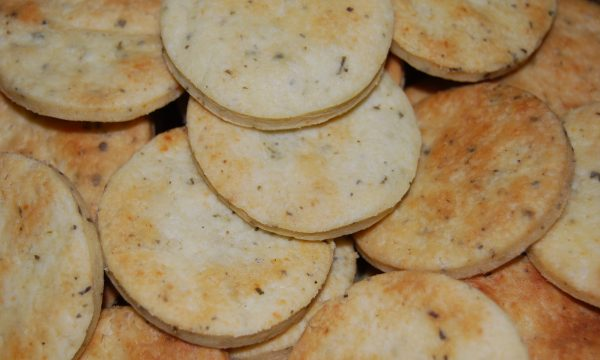 Biscotti salati alle erbe fini