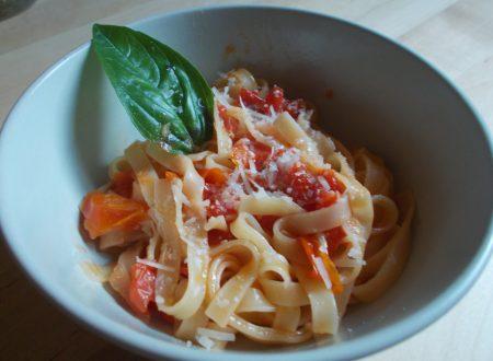 """Lasagnette al sugo di pomodoro """"sciuè sciuè"""""""