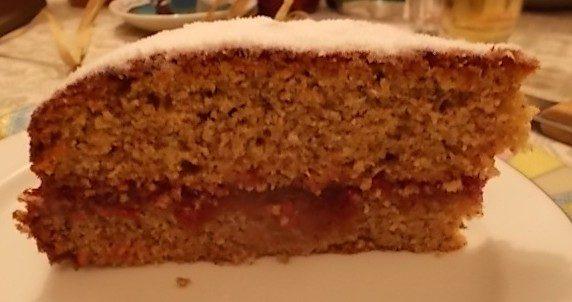 Torta di grano saraceno con marmellata di lamponi