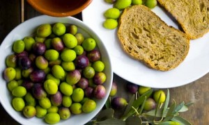 Olio extravergine d'oliva Lucca D.O.P. - per la foto si ringrazia
