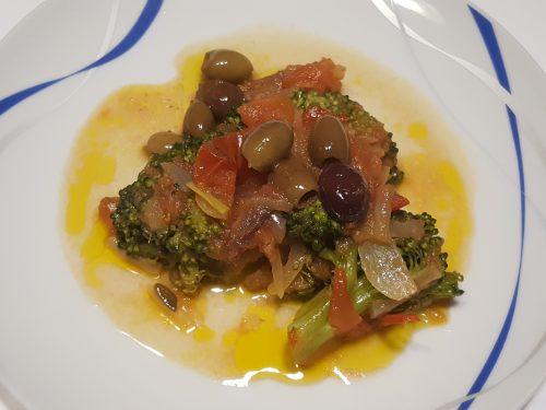 Broccoletti in padella con acciughe ed olive taggiasche