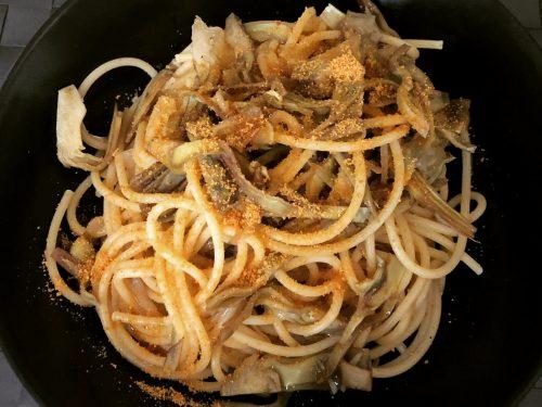 Spaghetti con carciofi e bottarga di muggine (by Carlo Cattaneo)