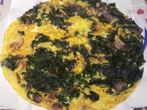 Frittata di spinaci e cipolle di Tropea