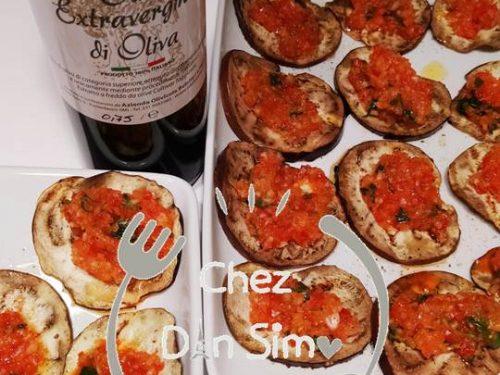 Melanzane grigliate con tartare di peperoni, finocchi e basilico