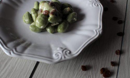 Gnocchi Verdi con Gorgonzola e Uva Passa