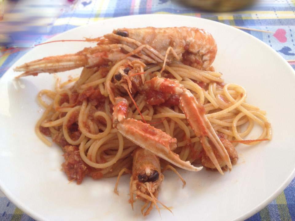 Spaghetti con scampi al sugo