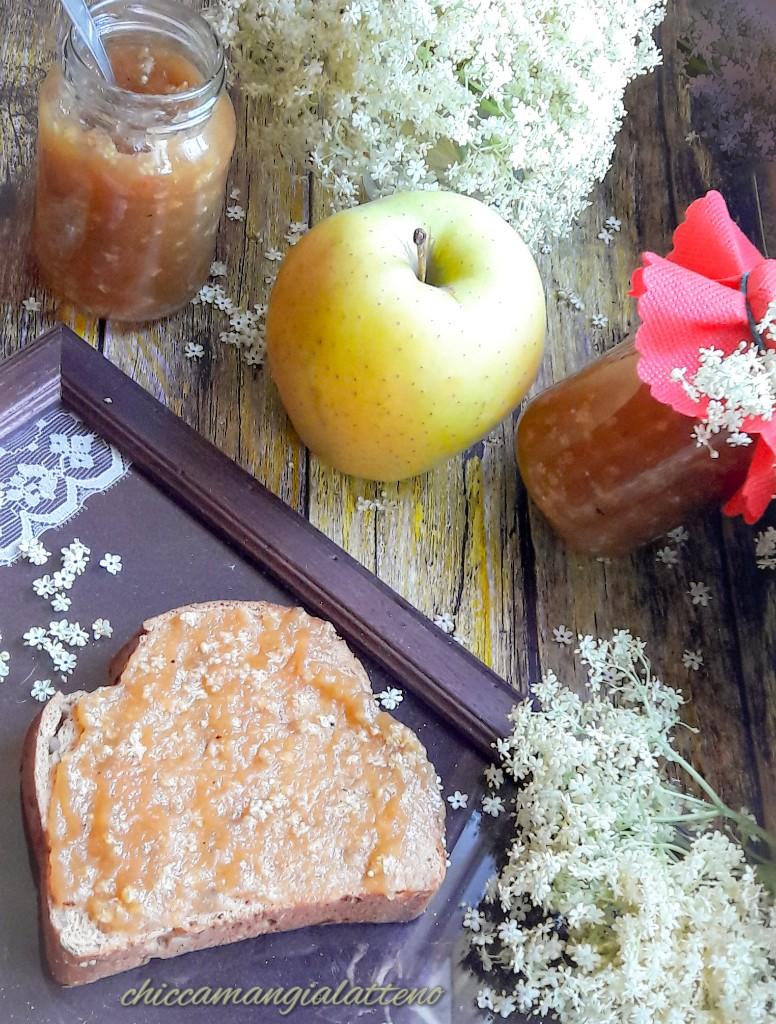 Confettura di mele e fiori di sambuco