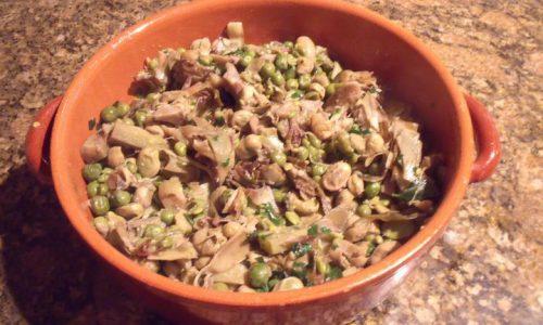 Zuppa di carciofi, fave e piselli (La vignarola)