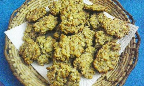 Biscotti con noci e fiocchi d'avena