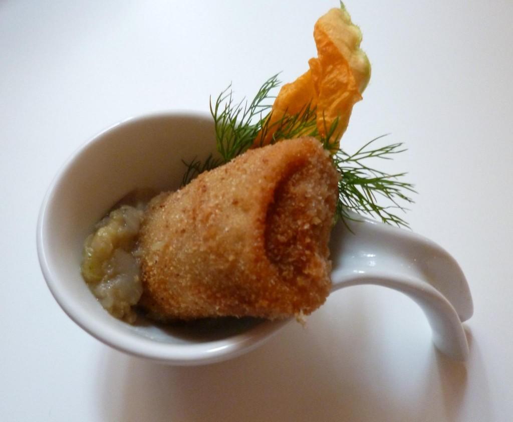 Paccheri fritti ripieni di sarde al finocchietto su crema di melanzane
