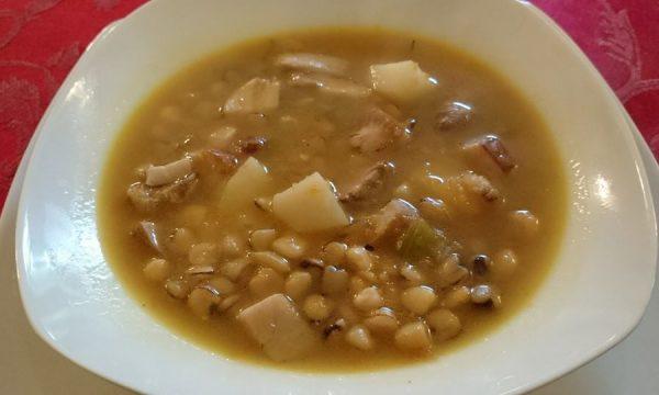 Zuppa di cicerchie e porcini
