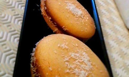Alfajores con dulce de leche (biscotti argentini)