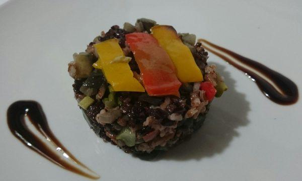 Riso rosso e nero (Venere) alle verdure