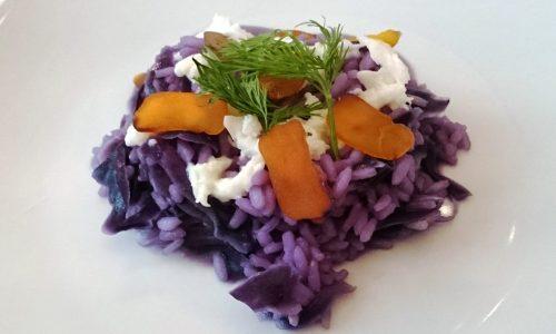 Risotto viola con petali di bottarga e mozzarella di bufala