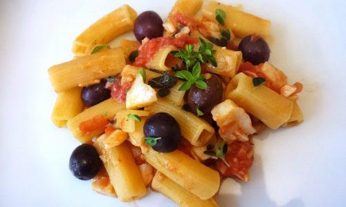 Pasta Maquadro Verrigni con baccalà alla mediterranea