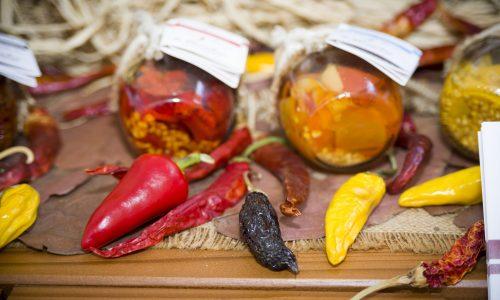 """Pikkanapa: il """"piccante festival nazionale"""" del peperoncino e della canapa"""