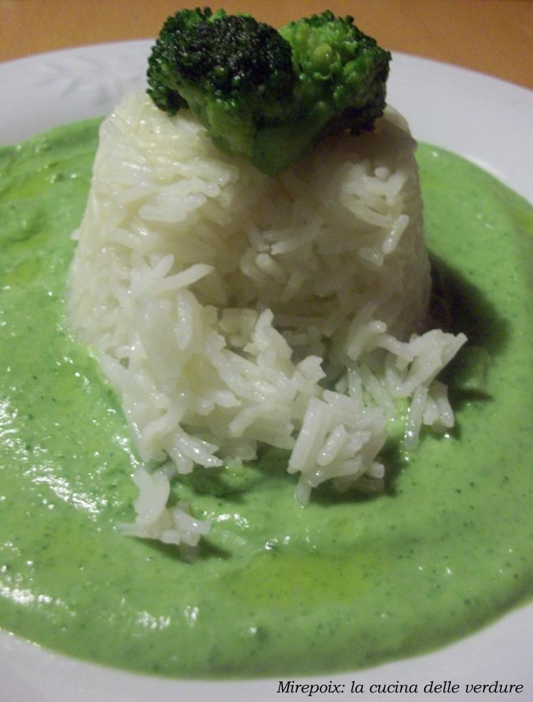 Crema di broccoli con riso pilaf, ricetta light.