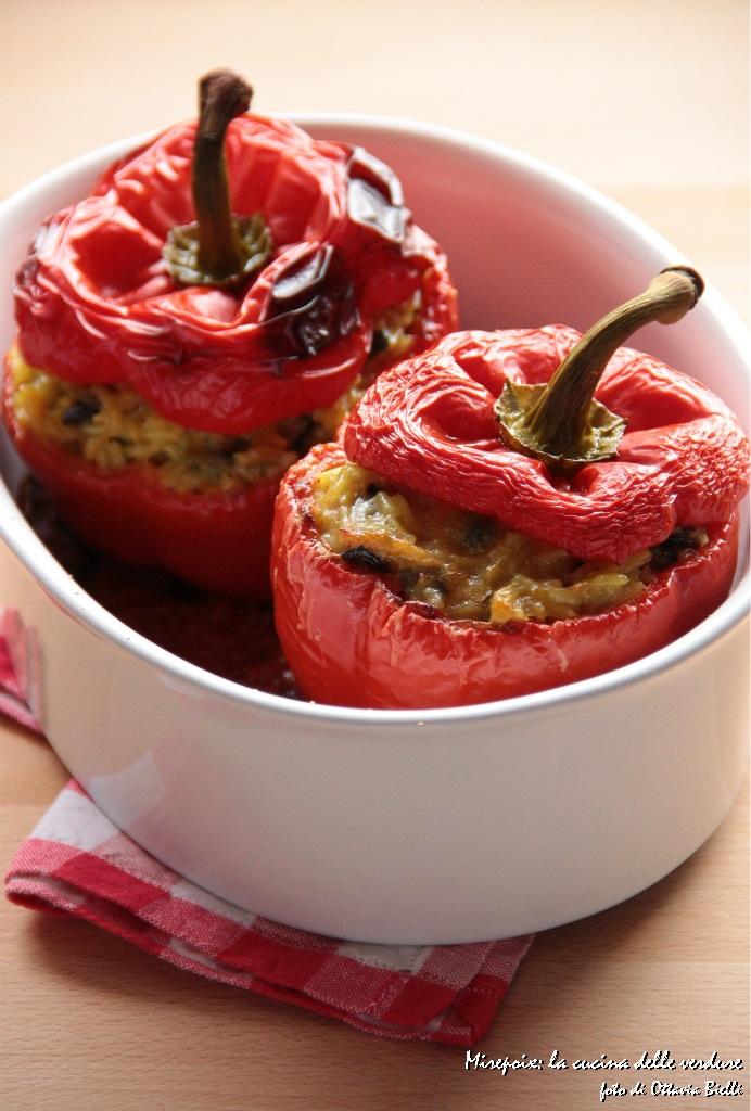 Peperoni ripieni di riso alle verdure