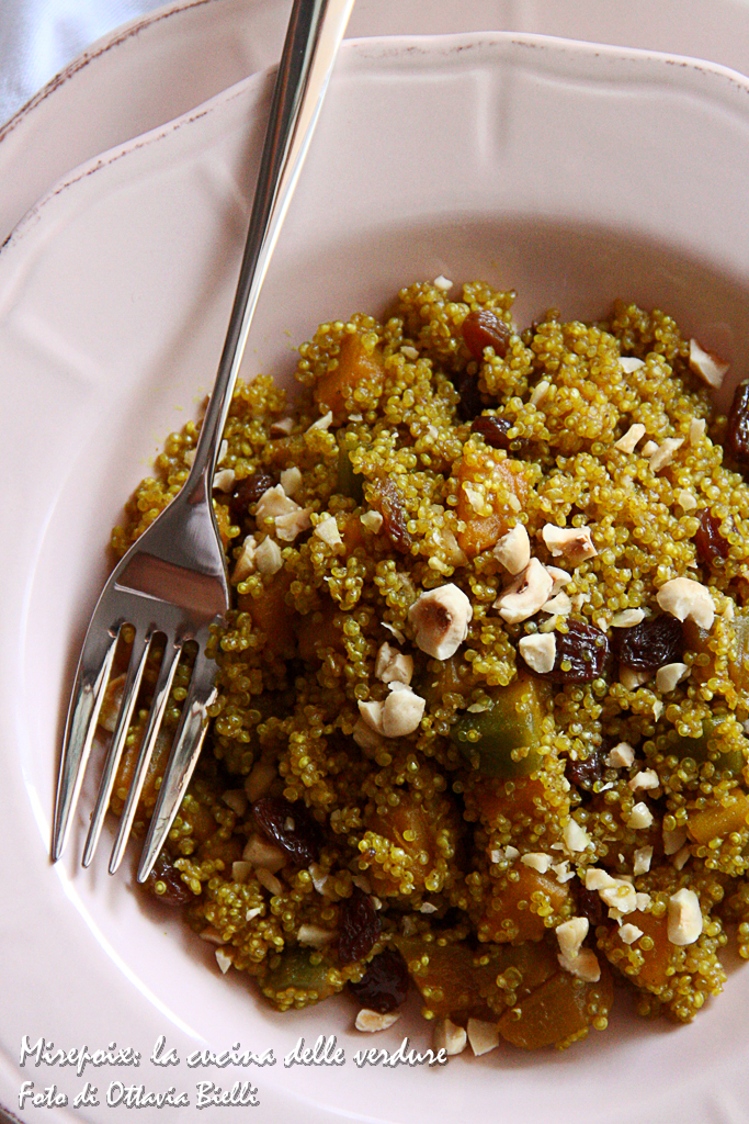 Quinoa al curry con zucca e uvetta