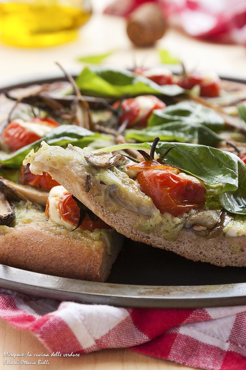Pizza al farro dettaglio fetta