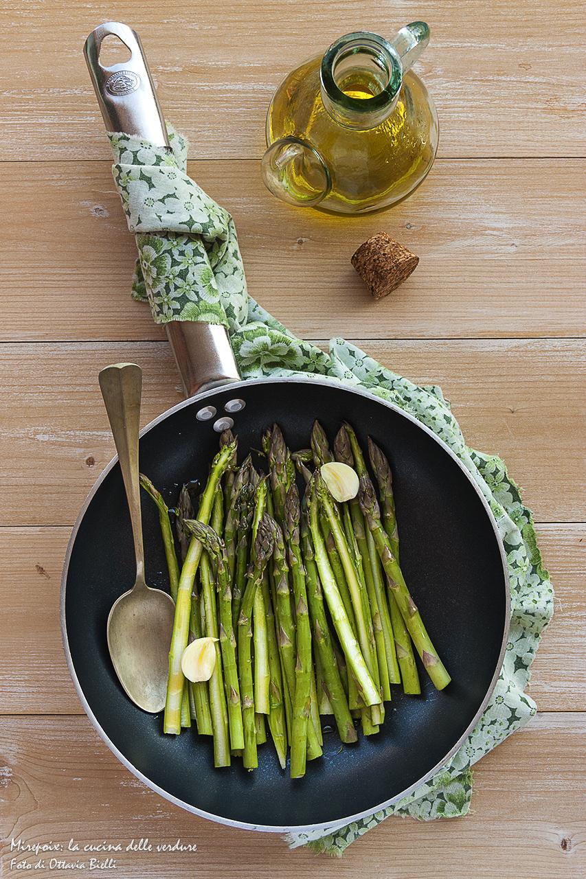 Padella di tagliatelle agli asparagi