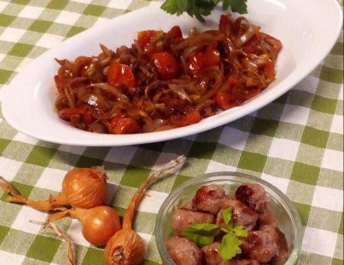 Chicche di salsiccia con cipolle e pomodorini confit
