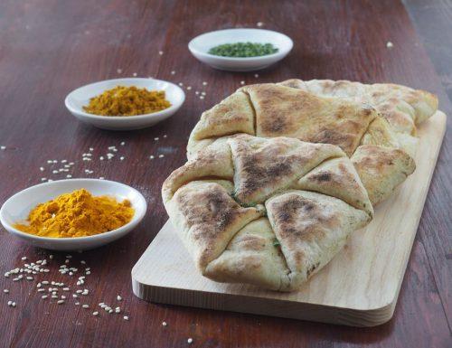 Dall'India: Pane di naan al formaggio
