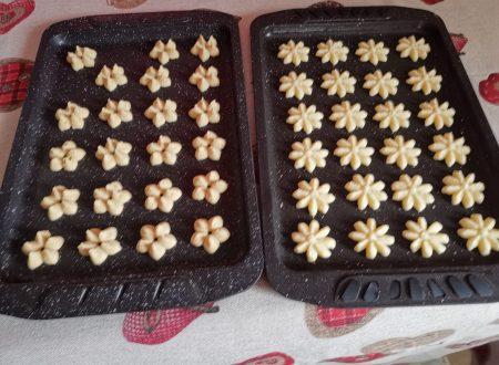 Fatto da voi: Biscotti burrosi con la spara biscotti