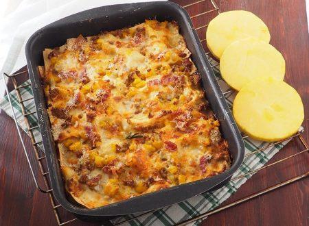 Lasagne con zucca, carne trita e salsiccia