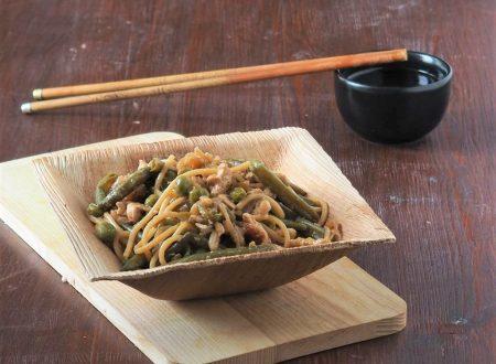 Spaghetti alle verdure con salsa di soia
