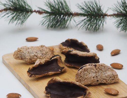 Biscotti con mandorle e albumi (ricetta lucana)