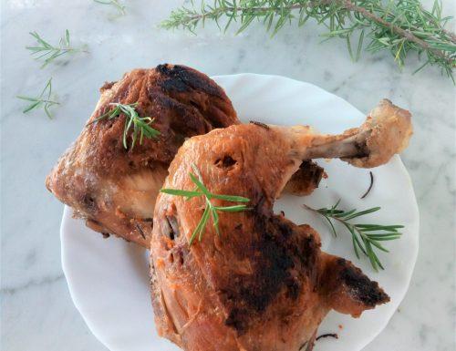 Cosce e sovracosce di pollo arrosto in padella