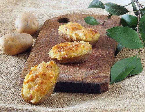 Patate ripiene di mozzarella e bacon