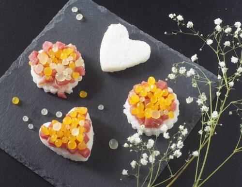 Sushi mimosa con caviale d'arancia e limone