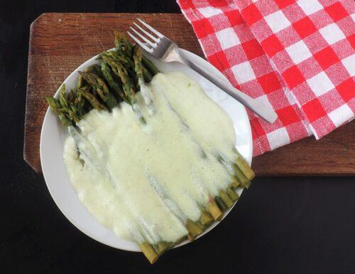 Asparagi al gorgonzola dolce