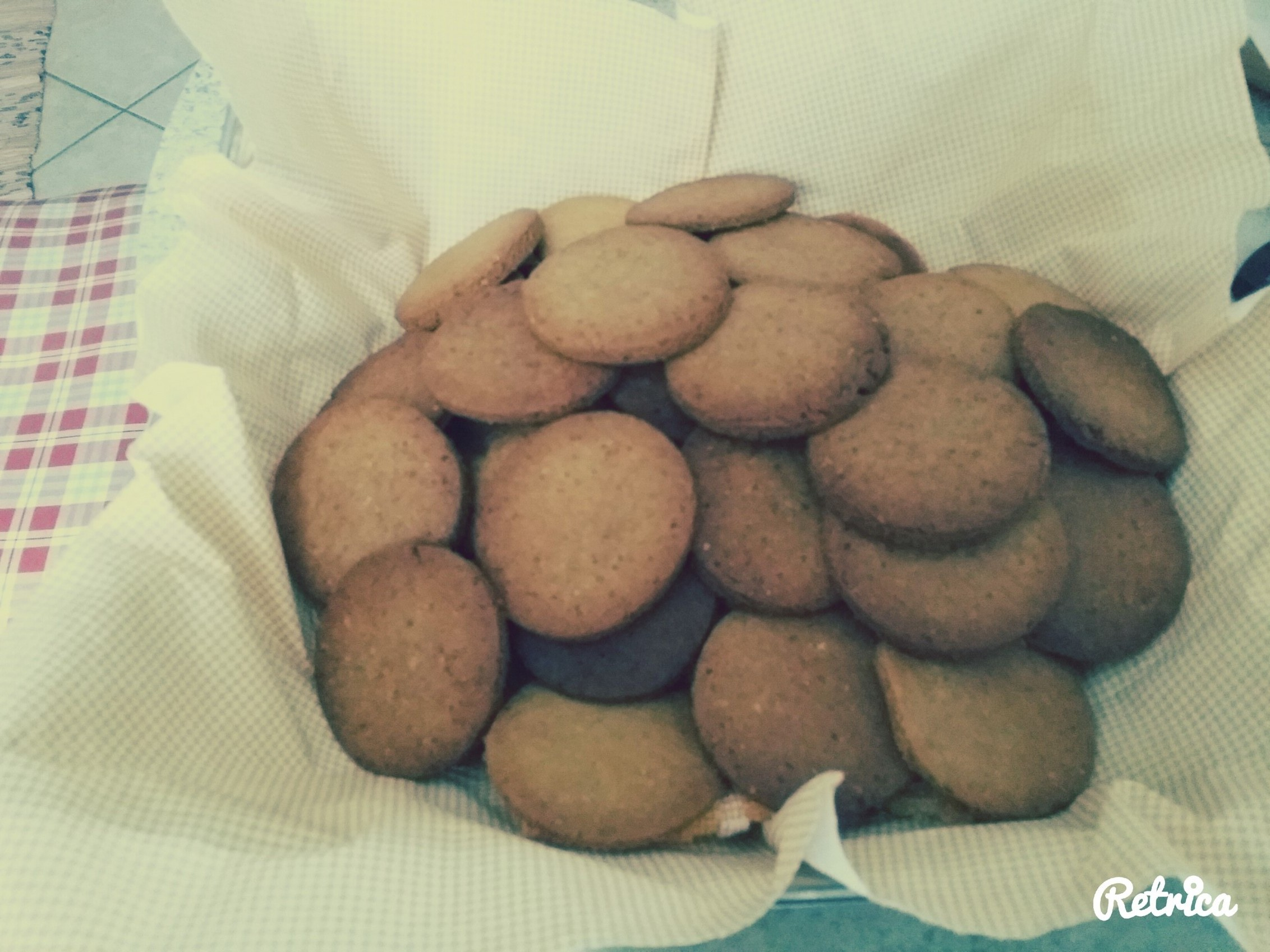 Biscotti light di kamut con crusca d'avena e miele