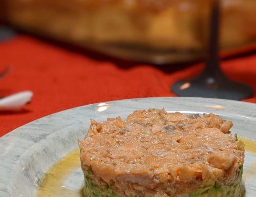 Salmone con crema di avocado