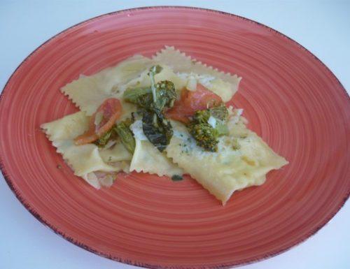 Ravioli con baccalà e condito con broccolo siciliano