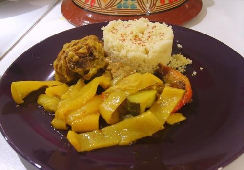 Capretto alle spezie con peperoni, zucchine e cous cous