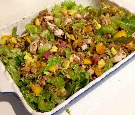 Cereali, che bontà: facciamo l'insalata di farro e pollo
