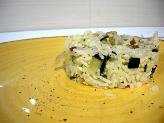 Riso fritto con zucchine e pancetta arrotolata