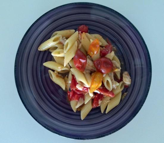 Penne rigate con merluzzo e misto di pomodorini
