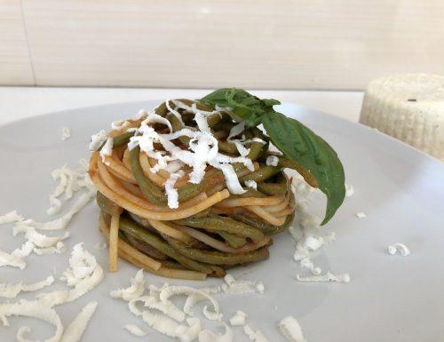 Fagiolini metro con spaghetti e ricotta salata