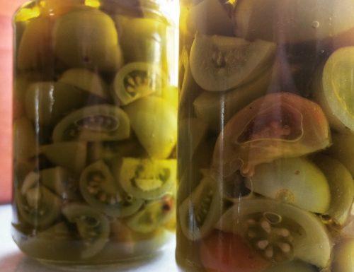 Pomodori verdi, conserviamoli sott'olio