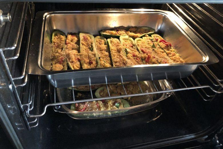 Zucchine farcite con tonno e peperoni